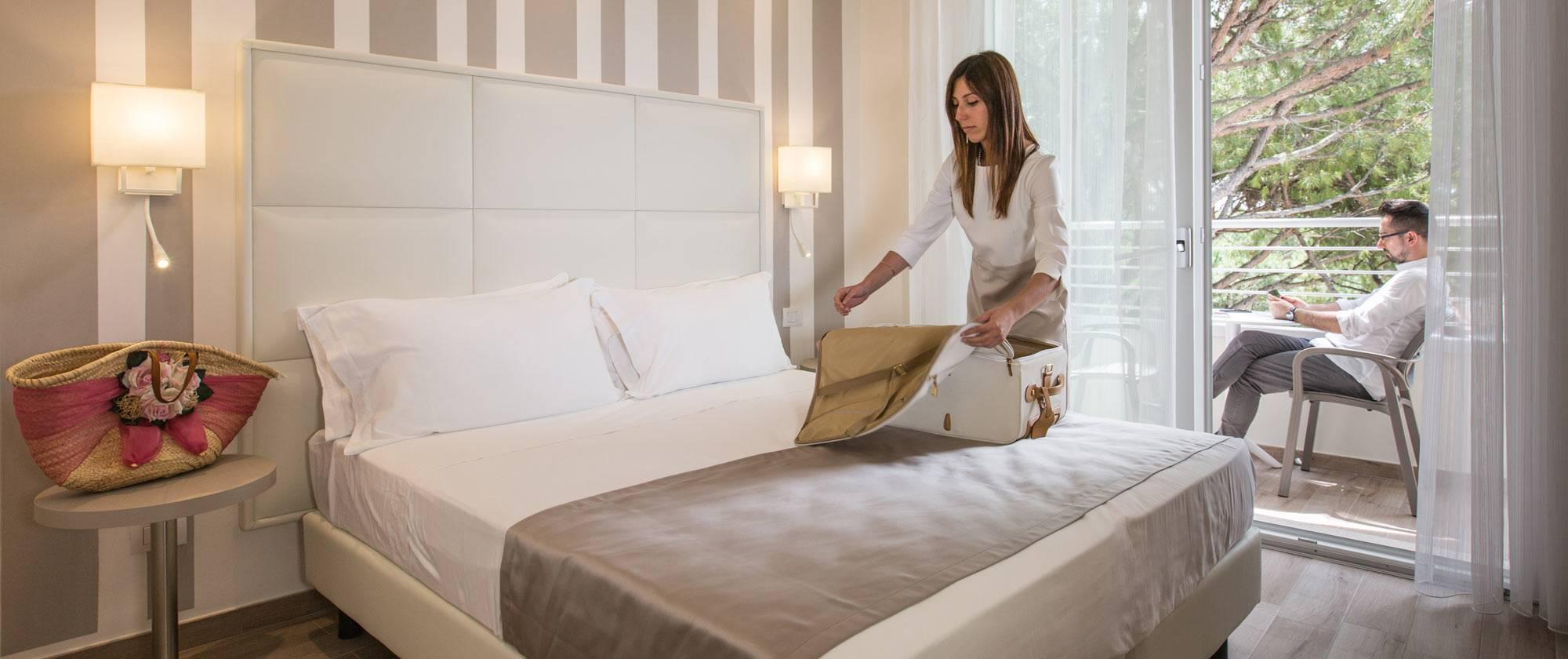 Hotel con camere deluxe milano marittima hotel luxor - Metratura minima bagno ...