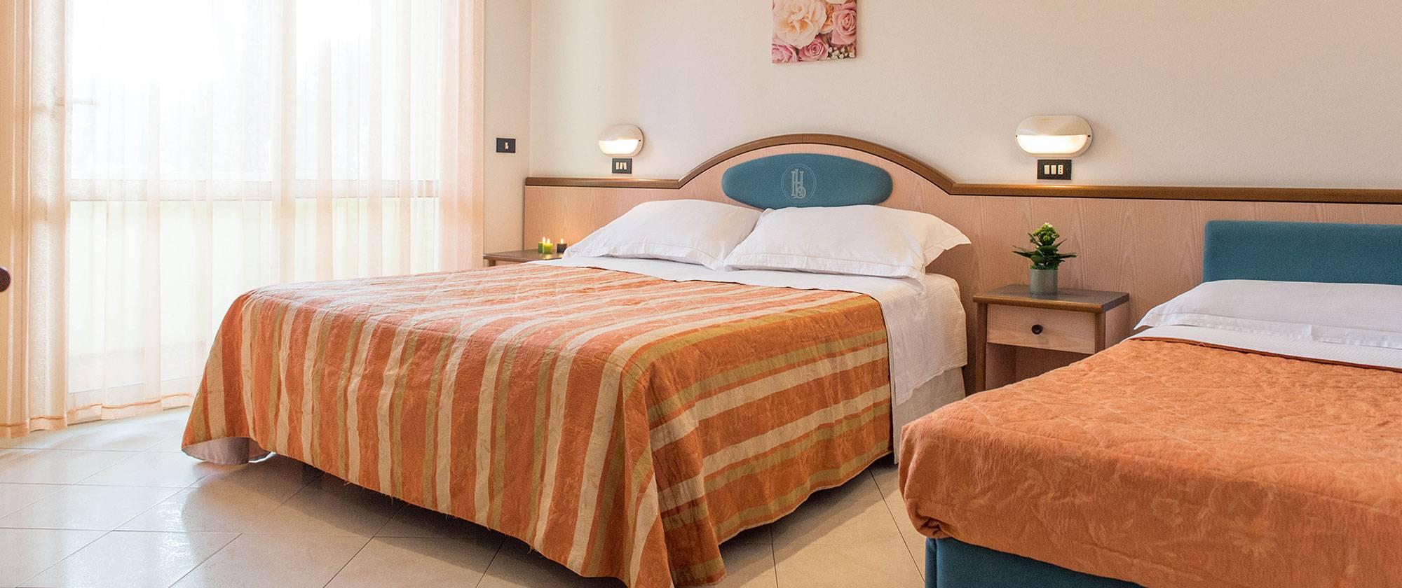 Hotel con camere comunicanti milano marittima hotel luxor - Metratura minima bagno ...