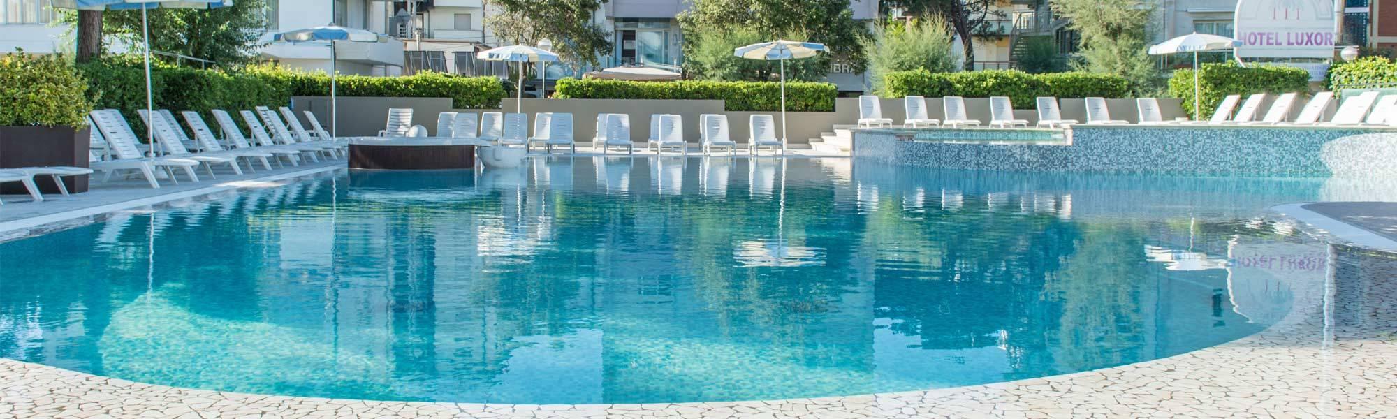 Hotel con piscina a milano marittima hotel luxor - Hotel con piscina milano ...